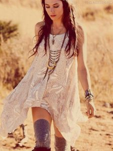 girl-in-bohemian-style-outfit-2
